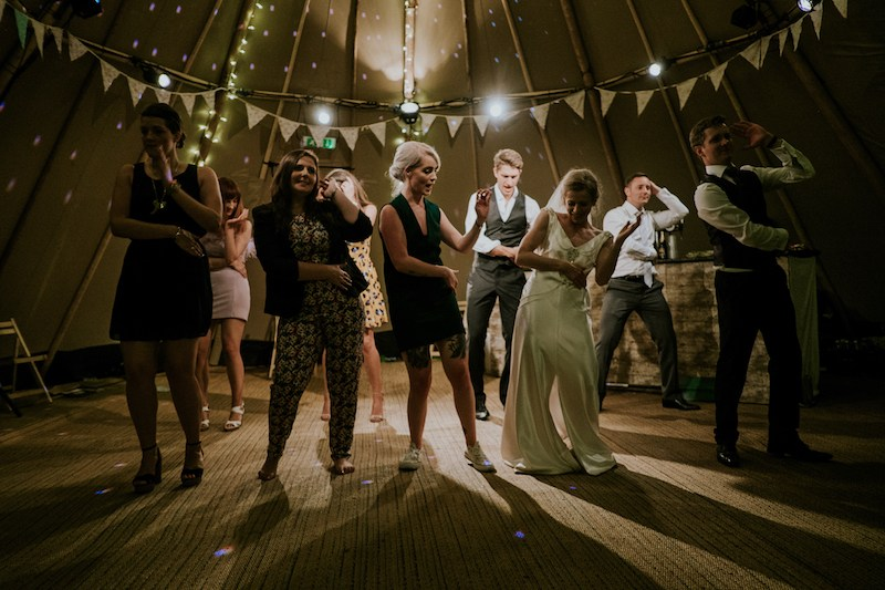 These wedding DJ tips will save you from embarrassing situations.